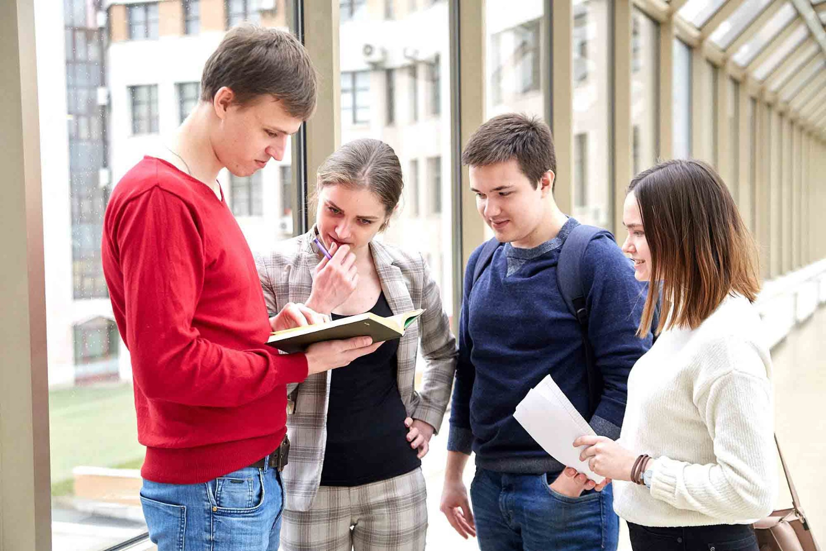 Как абитуриенту определиться с выбором университета в Англии?
