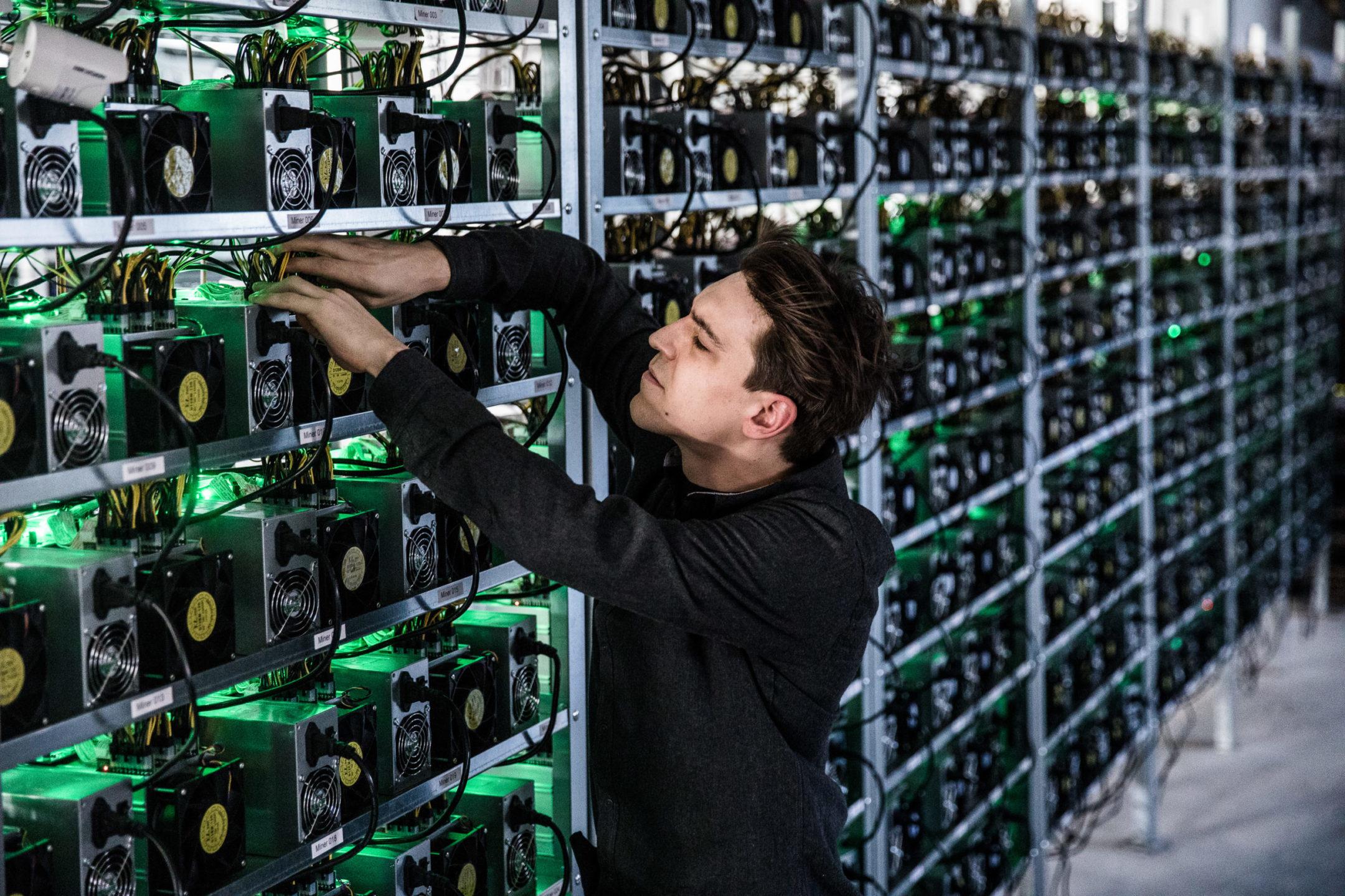 Стоит ли заниматься майнингом криптовалюты: особенности, необходимое оборудование и преимущества